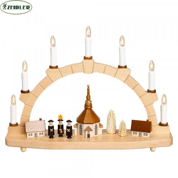 Seiffener Kirche mit Kurrende, bel. mit 7 Kerzen