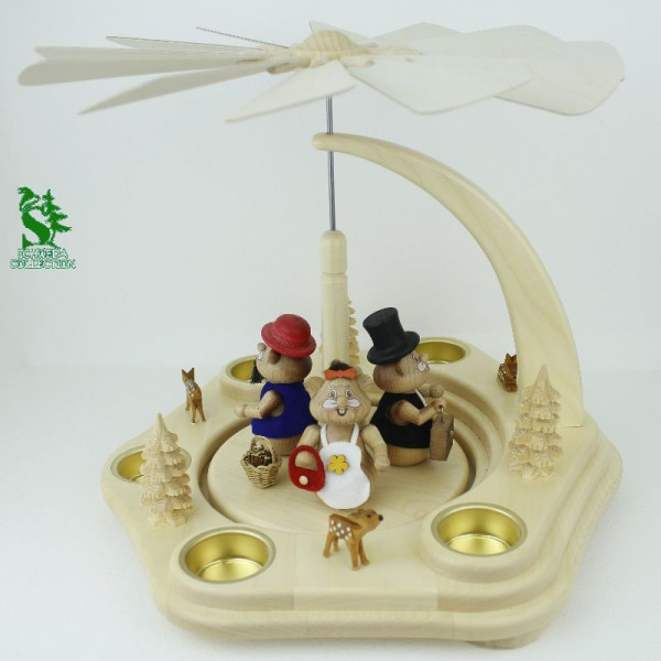 Teelichtpyramide mit Familie Körnlein